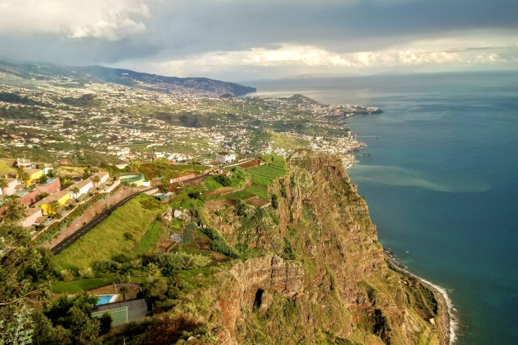 Living in Madeira on the cliff Cabo Girao
